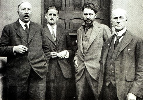Ezra Pound con Ford Madox Ford y James Joyce